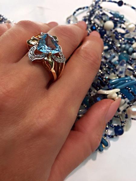 Золотое кольцо саметистом ифианитом