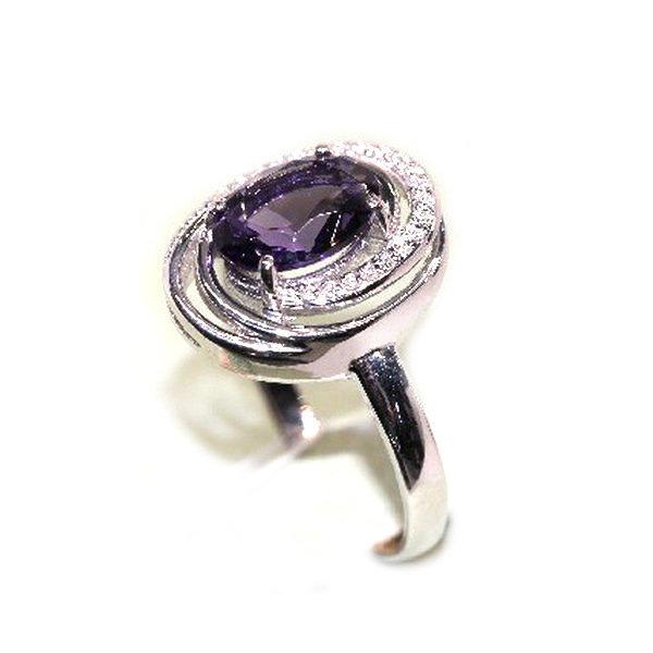Серебряное кольцо сфианитом иаметистом выращенным