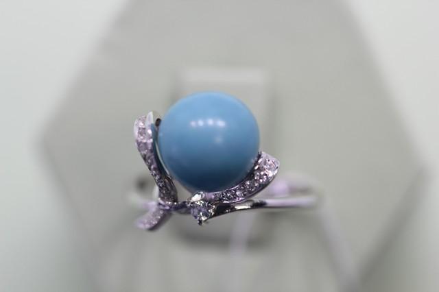 Серебряное кольцо сбирюзой