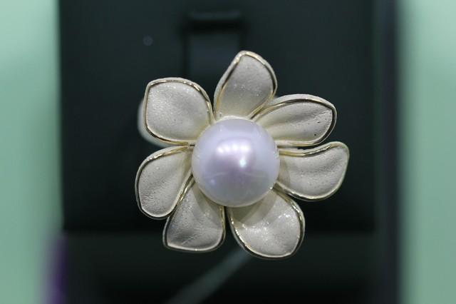Серебряное кольцо сжемчугом культивированным