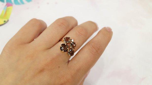 Золотое кольцо сраух-топазом