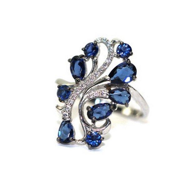 Серебряное кольцо сфианитом икристаллом