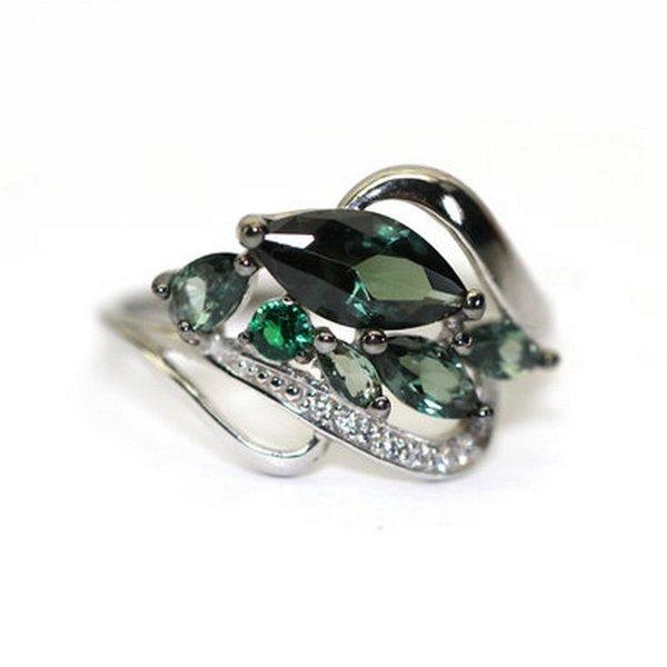 Серебряное кольцо сфианитом итурмалином синтетическим