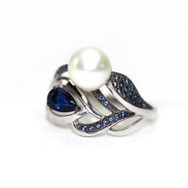 Серебряное кольцо сфианитом, кристаллом ижемчугом культивированным