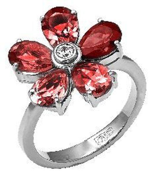 Серебряное кольцо сгранатом