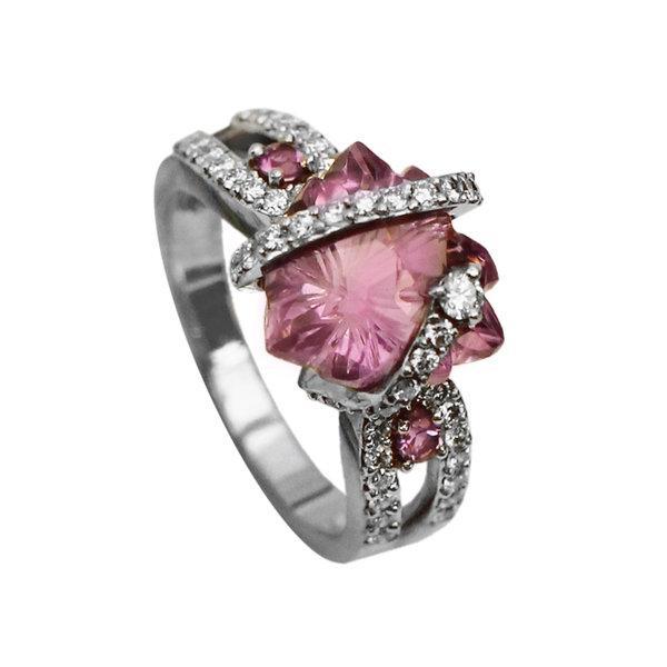 Золотое кольцо сбриллиантом иаметистом